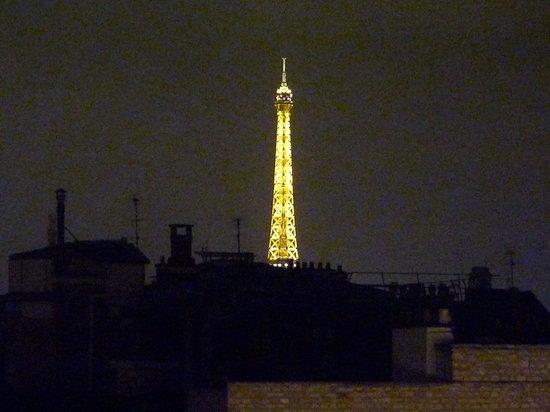 """Le Bristol Paris : La """"Tour"""" illuminée , un plaisir à savourer depuis son appartement..."""