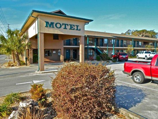 Dinner Bell Motel : Motel