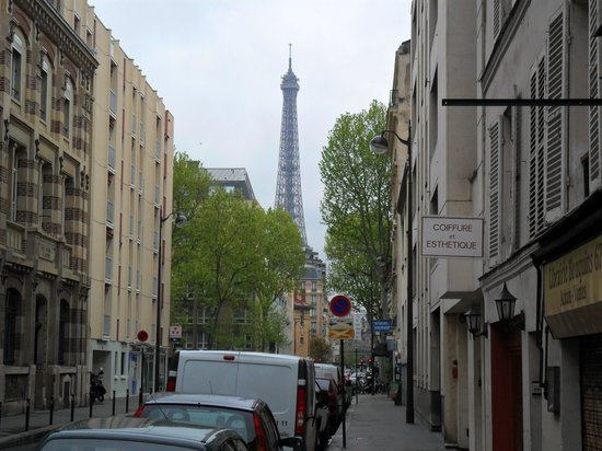Hotel Alize Grenelle Tour Eiffel: Proximidade da Torre Eiffel