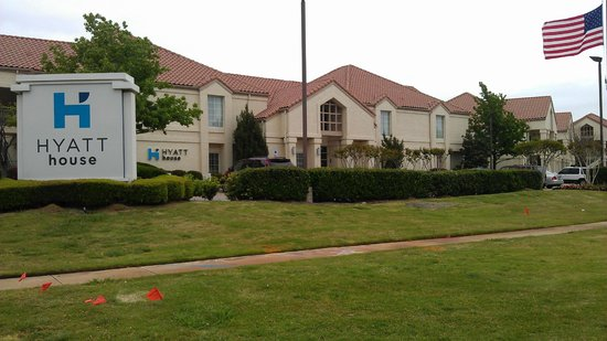 HYATT House Dallas/Las Colinas: Front of the property.