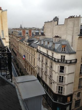 Timhotel Palais Royal Louvre: Vista dal terrazzino