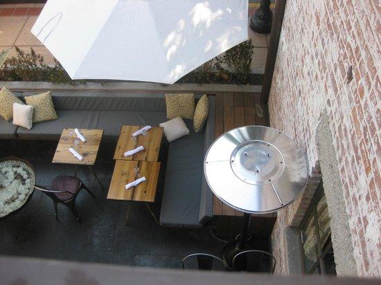 Granada Hotel and Bistro: Upper Patio with Bistro Below