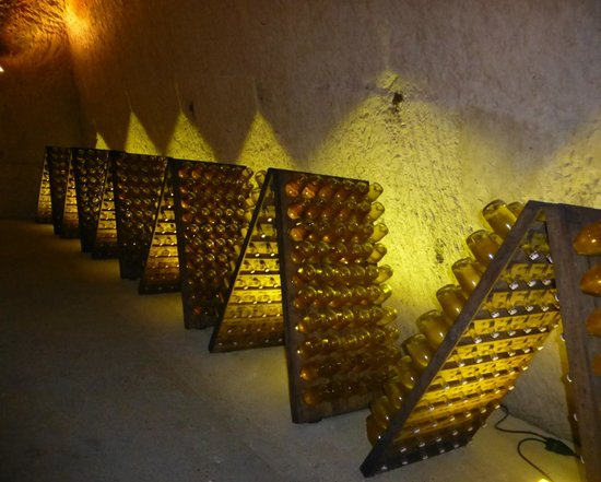 Celliers Ruinart: Champagnes aging on racks