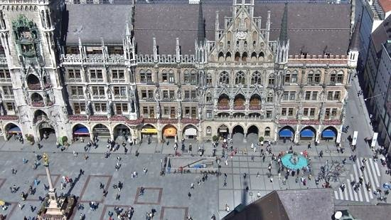 City Sightseeing Munich : Marienplatz.