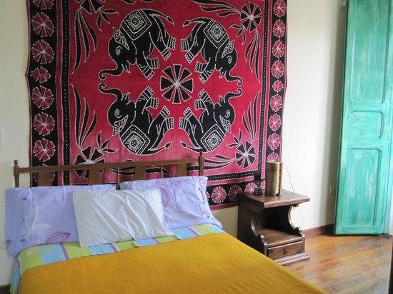 Sayta Hostal: comfy bed...