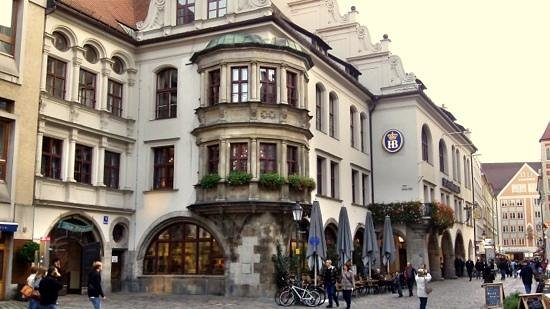 CitySightSeeing Munchen : Beer house. Hofbrauhaus.
