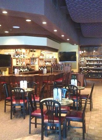 Wine Maniacs Wine Bar & Bistro