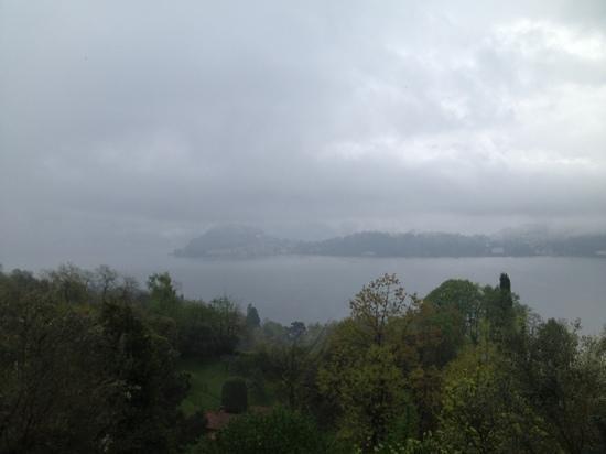 Hotel Rusall : la vista sul lago