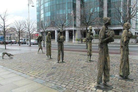The Famine Sculpture: Famine Statues in Dublin, Ireland