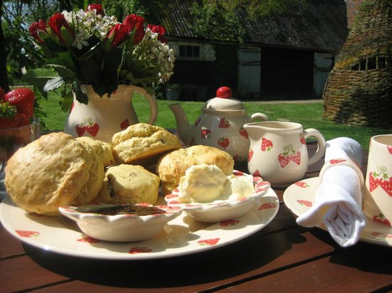Chessell Pottery Barns: Our Ultimate Island Cream Tea