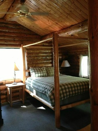 Lakedale Resort at Three Lakes: Upstairs Loft bedroom