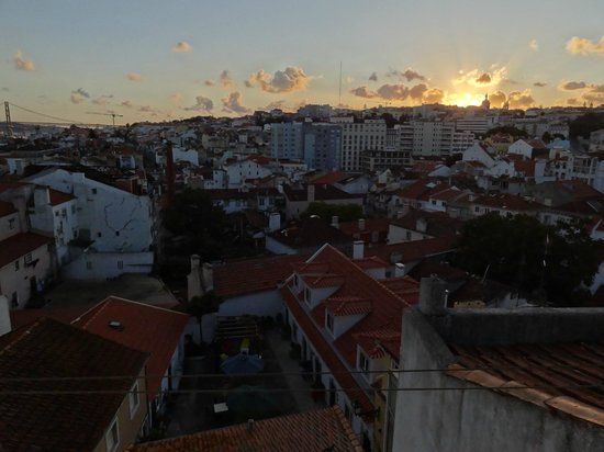Casa do Patio by Shiadu: room with a view: sunset