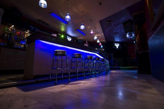 shambles karaoke bar nerja 2018 all you need to know before you go with photos tripadvisor. Black Bedroom Furniture Sets. Home Design Ideas