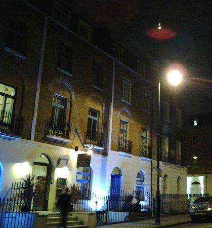 Crestfield Hotel: Крестфилд Отель, Лондон.