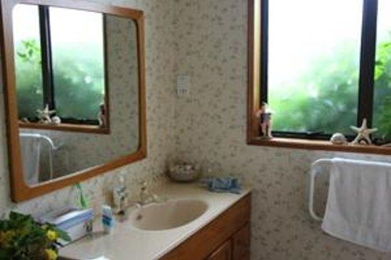 Rose n Reel: the bathroom