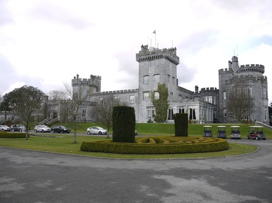 Dromoland Castle Hotel: grounds
