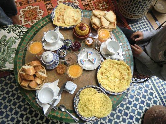 Riad Fes Baraka: LE PETIT DEJEUNER AU RIAD