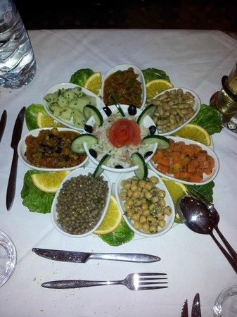 Riad Bouchedor: ensaladas variadas muy muy ricas