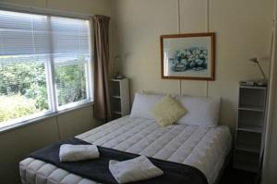 Pohara Beachfront Motel : the bedroom