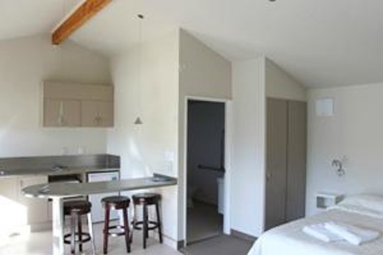 Bay Cottages : motel unit with kitchen