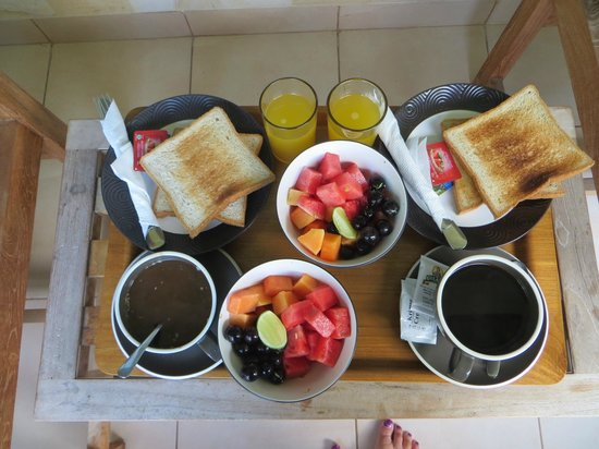 Hotel Genggong at Candidasa : a great breakfast