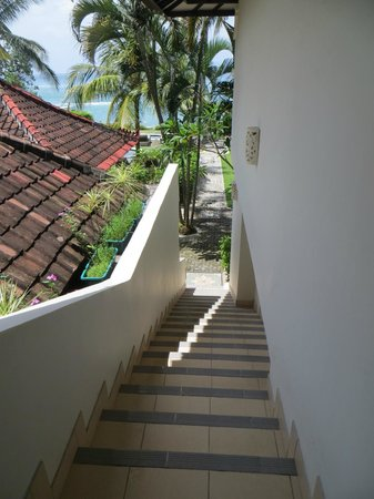 Hotel Genggong at Candidasa : stair leading up to top floor