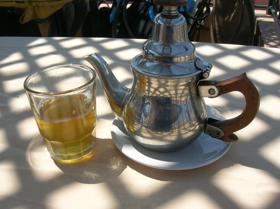 Cafe Restaurant l'Etoile: thé à la menthe