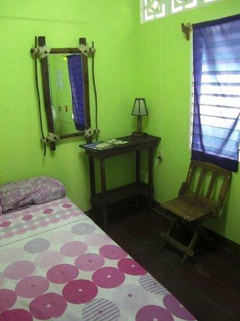 Hostal Entre Amigos: a single private room