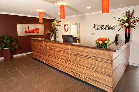 Wine Country Motor Inn: Reception