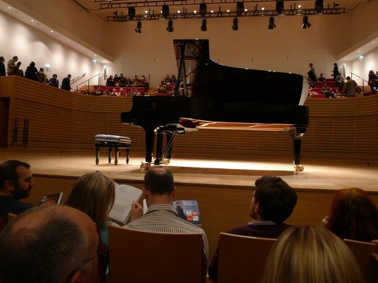 Salle Pleyel features unsually designed stage