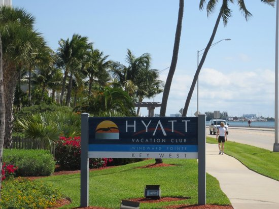 Hyatt Windward Pointe : Hyatt sign