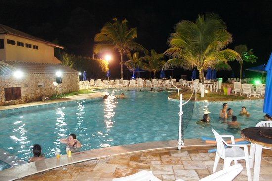 Prodigy Beach Resort Marupiara: piscina à noite