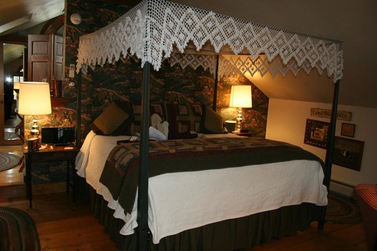 Rabbit Hill Inn: Our room