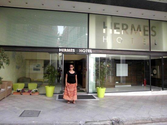 Hermes Hotel: Entrada