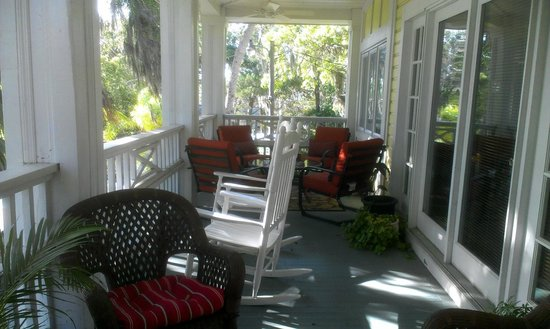 River Lily Inn Bed & Breakfast: Veranda off of River Lily room