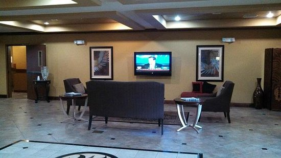Holiday Inn Express Hotel & Suites Foley: lobby