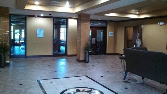 Holiday Inn Express Hotel & Suites Foley: spacious lobby