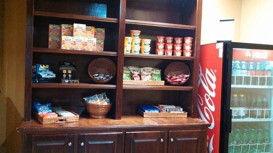 Holiday Inn Express Hotel & Suites Foley: mini store