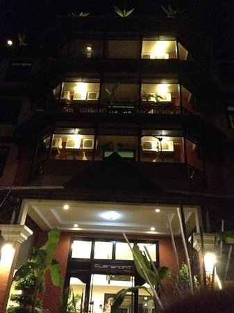 Angkor Panoramic Boutique Hotel: Hotel facade