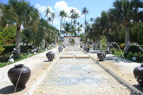 Now Larimar Punta Cana Fountain And Wedding Gazebo