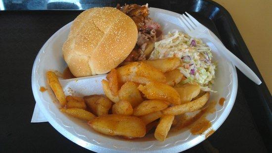 Jack's Bar-B-Q Smokehouse: Pulled Pork, Fries & Slaw