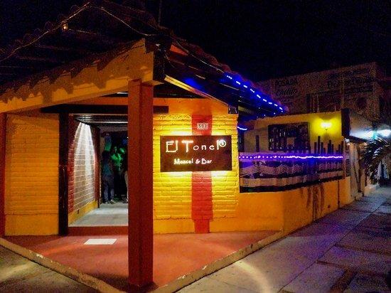El Tonel Mezcal & Bar