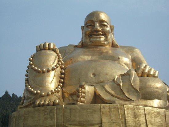Qianfoshan: Big Buddha