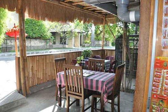 cucus little restaurant