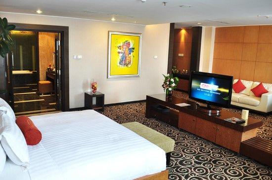 Gumaya Tower Hotel Semarang