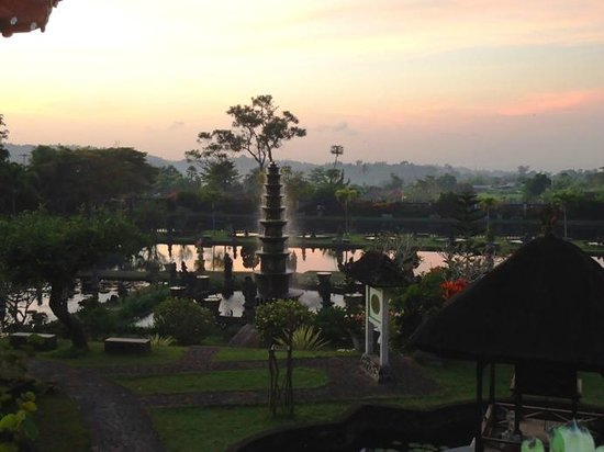 Tirta Ayu Hotel & Restaurant: Tirtagangga pagi hari