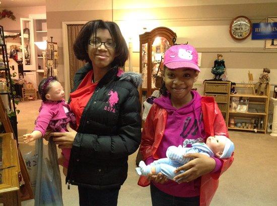 Valarie Moyer's Dolls: make very happy new mommies