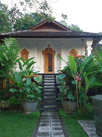 Tirta Ayu Hotel & Restaurant: Villa Raja