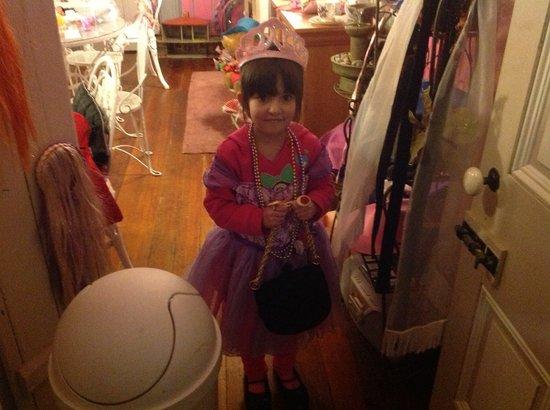 Valarie Moyer's Dolls: Dress up fun
