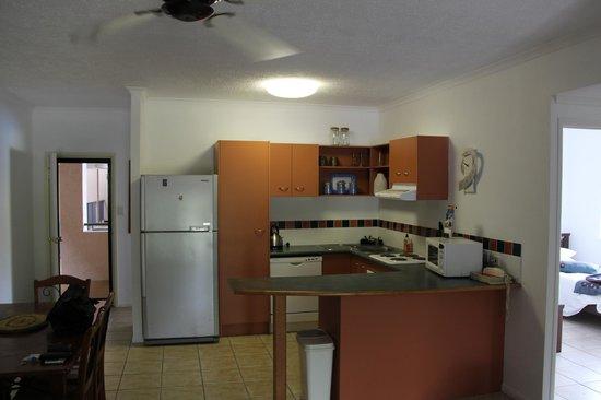 Nautilus Holiday Apartments: Kitchen Area